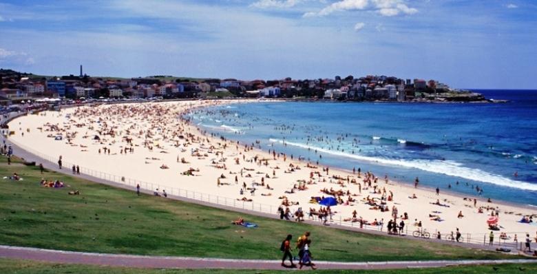 SydneyNSW_Slider_BondiBeach_Credit_TourismAustralia_AndrewWallace