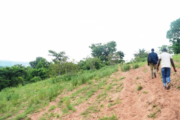 Ngwo cave - Sam Adeleke - Navigating-the-hilly-terrain-in-the-course-of-the-search