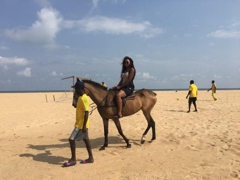 Sam Adeleke - La Campagne Tropicana - Horse Ride